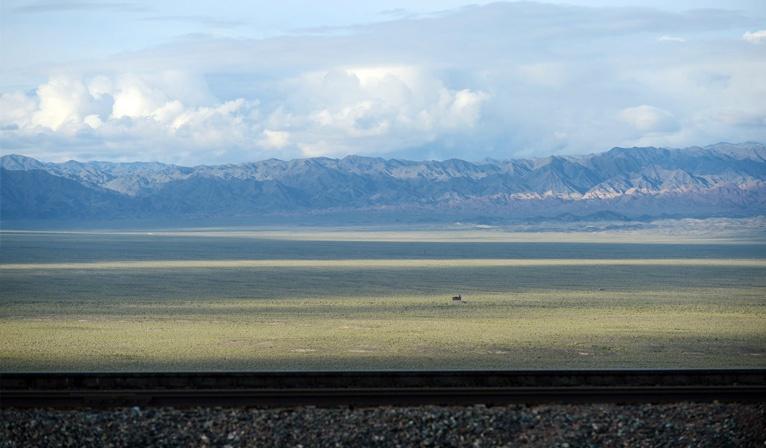 The_block_trains_from_Zhengzhou_pass_through_the_steppes_of_Kazakhstan.jpg